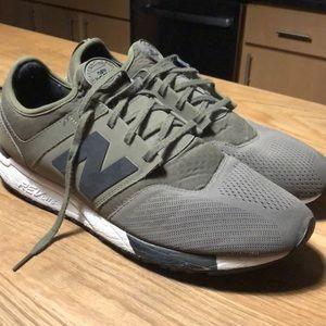 New Balance 24/7 Shoes